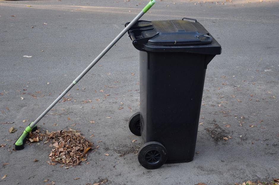 Warszawa. Gospodarka odpadami. Przetarg przesunięty