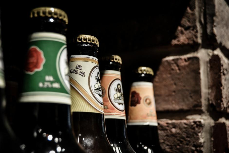 Kraków: Uchwała radnych ws. ograniczenia nocnej sprzedaży alkoholu w sądzie