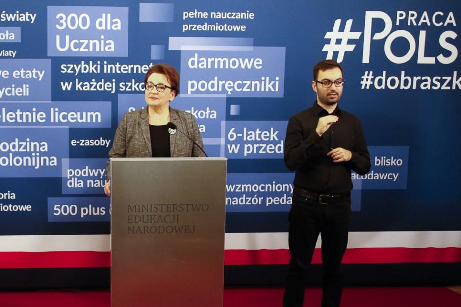 Minister Zalewska: Wrócimy do zasad oceniania nauczycieli, które były wcześniej