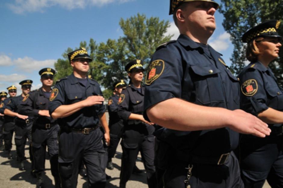 Straże miejskie i gminne w Polsce. 10 352 strażników, 578 734 mandatów