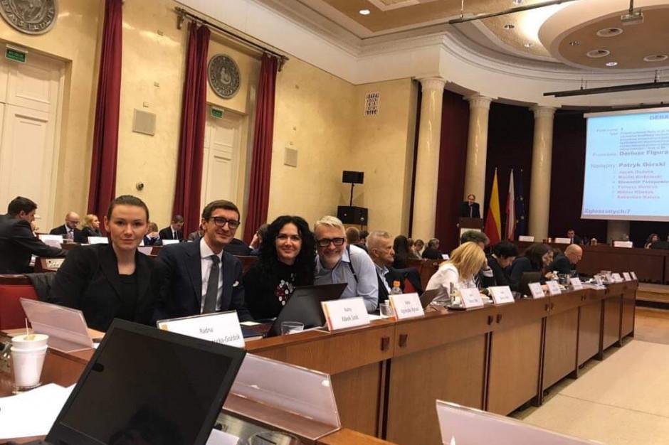 Rada Warszawy ustaliła sieć szkół z nazwami ulic sprzed dekomunizacji