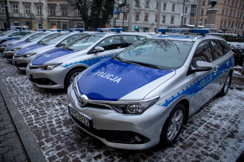 20 hybrydowych radiowozów dla policjantów w Krakowie