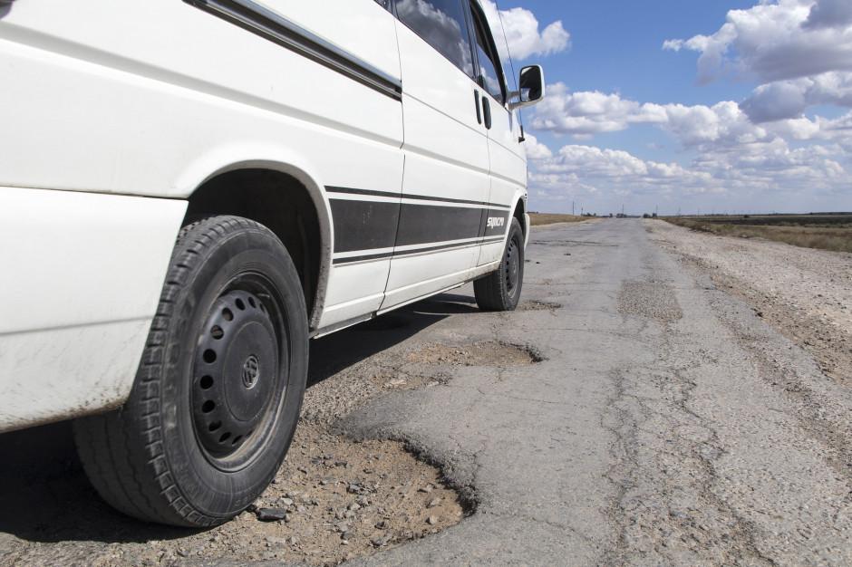 Włochy: Wojsko załata dziury w drogach