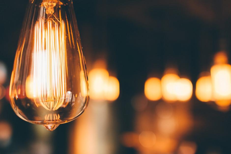 Ceny energii w 2019. UMP chce większej subwencji ogólnej i zwolnienia z akcyzy energii na komunikację miejską