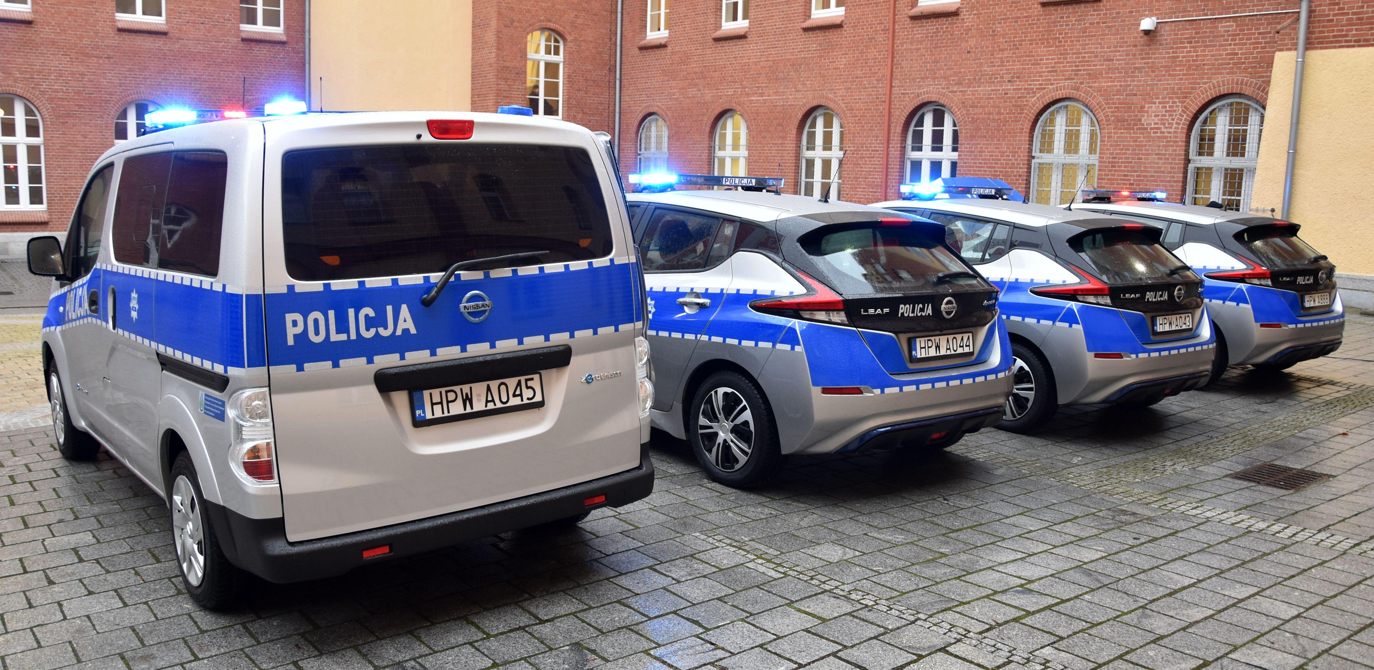 Nowe auta będą mogły wjeżdżać na tereny, gdzie zabronione jest korzystanie z silników spalinowych (fot. zachodniopomorska.policja.gov.pl)