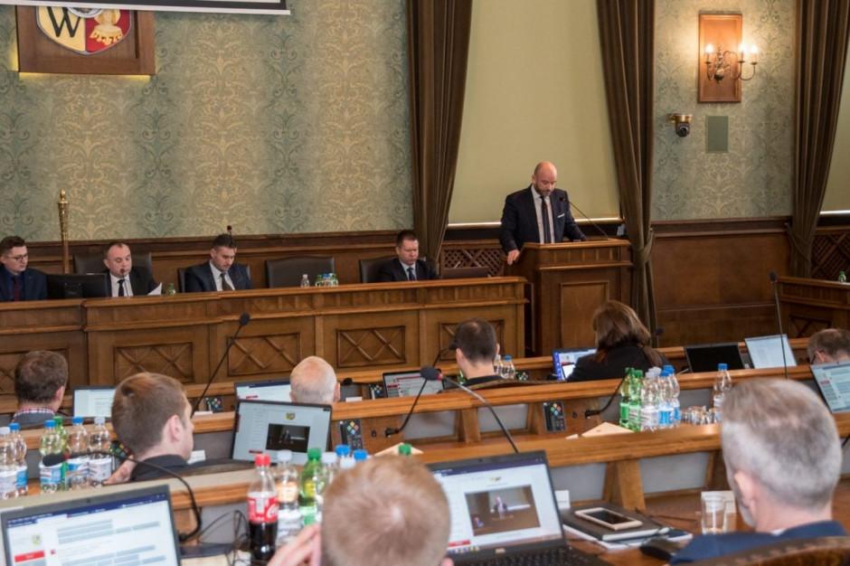 Wrocławscy radni przyjęli budżet miasta na 2019 rok