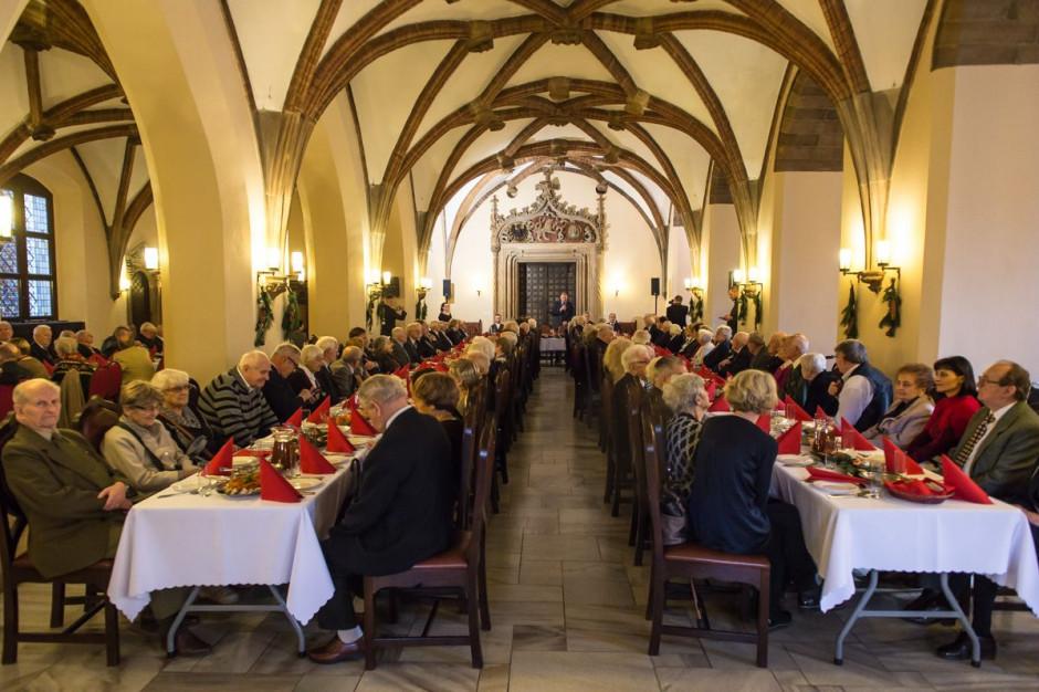 Wrocław zorganizował wigilię dla kilkuset osób