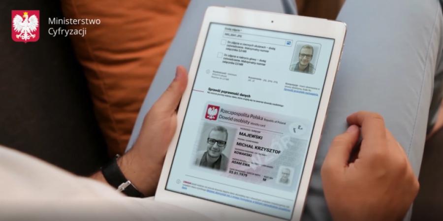 Wymiana starych dowodów osobistych na nowe ma trwać do roku 2028.fot. Ministerstwo Cyfryzacji