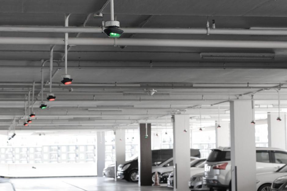 """""""Parkuj i jedź"""". 19 nowych parkingów zapewni 1400 dodatkowym miejsc dla stołecznych kierowców"""