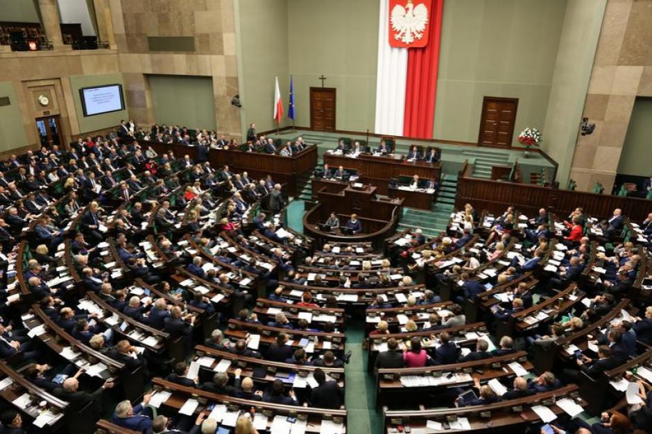 Samorządy mogą odetchnąć. Sejm uchwalił ustawę ws. cen prądu