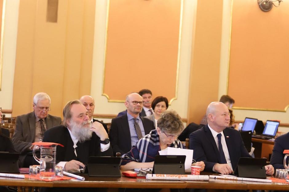 """Radni Kalisza uchwalili budżet miasta na 2019 roku. """"To przejściowy budżet"""""""