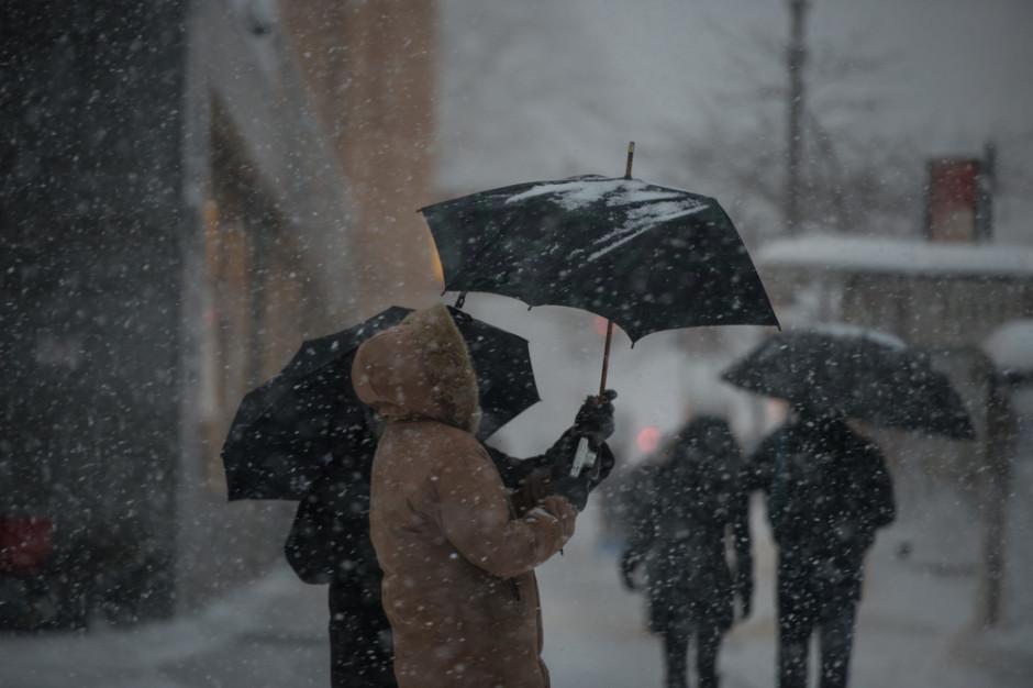 Alert pogodowy niemal w całej Polsce. Bez prądu już ponad 1700 odbiorców