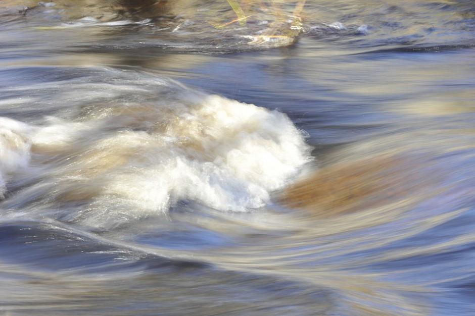 Elbląg: Stan alarmowy na rzece Elbląg, ale woda opada