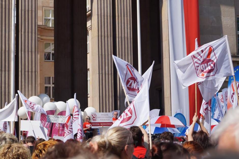 Politycy PiS: nauczyciele nie zaakceptują formy protestu ZNP
