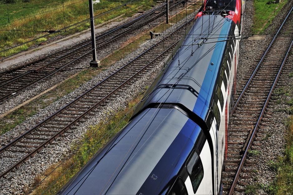 Mateusz Morawiecki: Podpisano umowę na najdłuższą linę kolejową od 40 lat