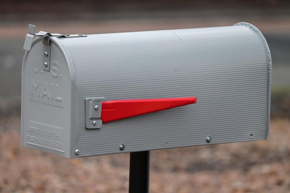 Samorządowcy nie mają gdzie wrzucać listów. Miasto przypomina: Za brak skrzynki pocztowej grozi 10 tys. zł kary