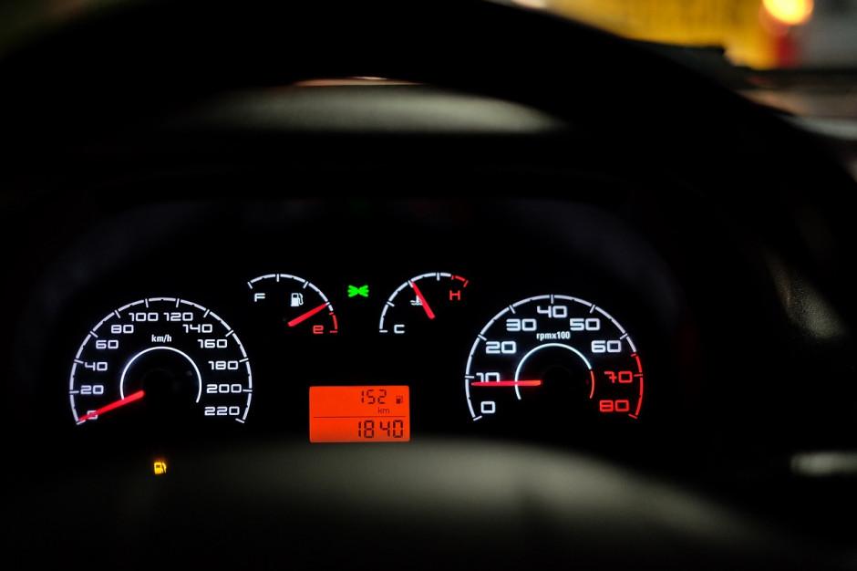 Kaskadowe kontrole prędkości na ulicach całego kraju
