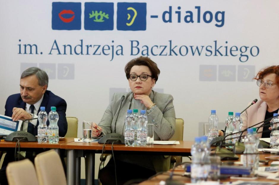 """Anna Zalewska zdziwiona zapowiedzią szefa ZNP: """"Inaczej się umawialiśmy"""""""