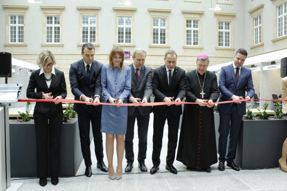 W Dolnośląskim Urzędzie Wojewódzkim otwarto nowoczesną salę obsługi klienta