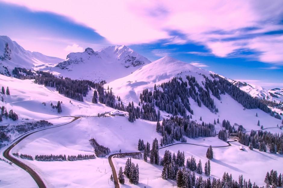 Karkonosze: Bardzo trudne warunki turystyczne w górach