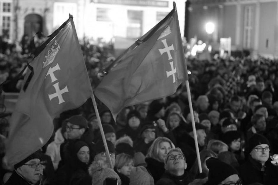 Gdańsk: Żałoba po śmierci prezydenta Adamowicza. Pogrzeb prawdopodobnie 19 stycznia