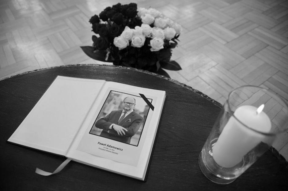 Miasta w żałobie po śmierci prezydenta Gdańska
