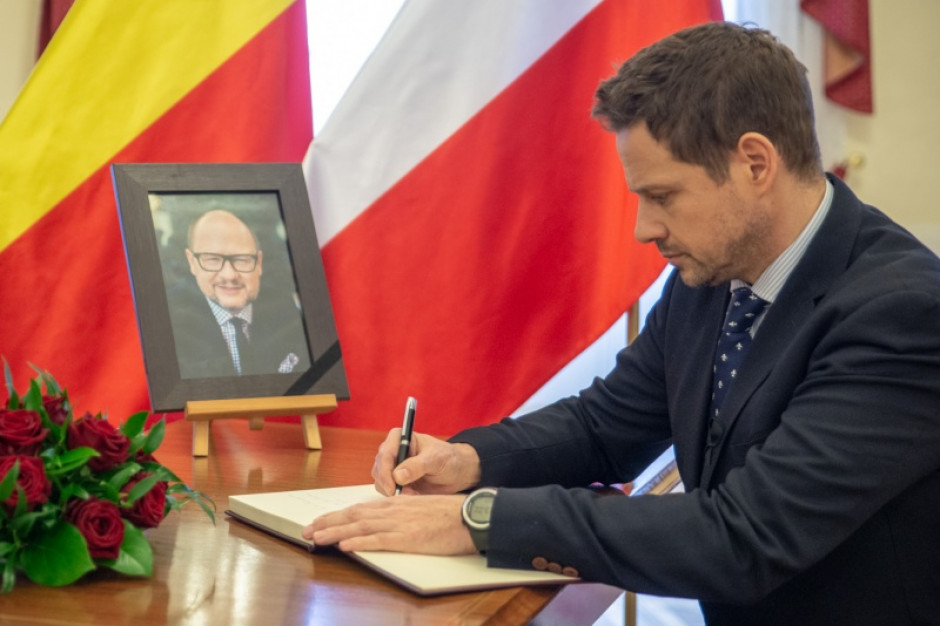 Warszawa: Radni chcą przyznać Pawłowi Adamowiczowi honorowe obywatelstwo