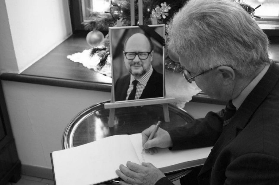 Rzeszów: Żałoba po śmierci Pawła Adamowicza