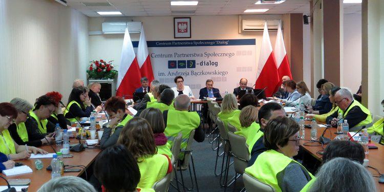 Negocjacje płacowe przebiegały bardzo burzliwie (fot. znp.edu.pl)