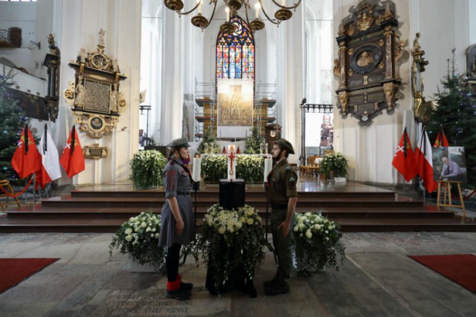 W Bazylice Mariackiej rozpoczęły się uroczystości pogrzebowe prezydenta Gdańska Pawła Adamowicza