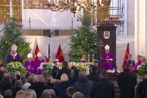 Abp Głódź: zaświadczamy dziś o jedności naszych serc w obliczu tragedii, której ofiarą padł Paweł Adamowicz