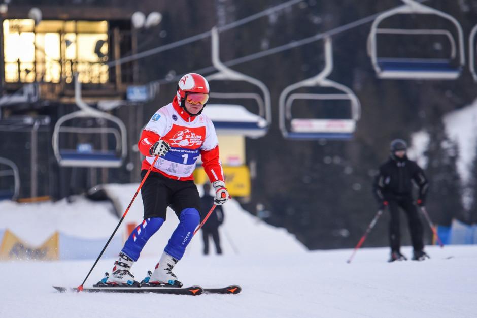 Pierwszym zawodnikiem na trasie 12H Slalom Maratonu był kapitan drużyny prezydent RP Andrzej Duda (fot. mat. pras.)