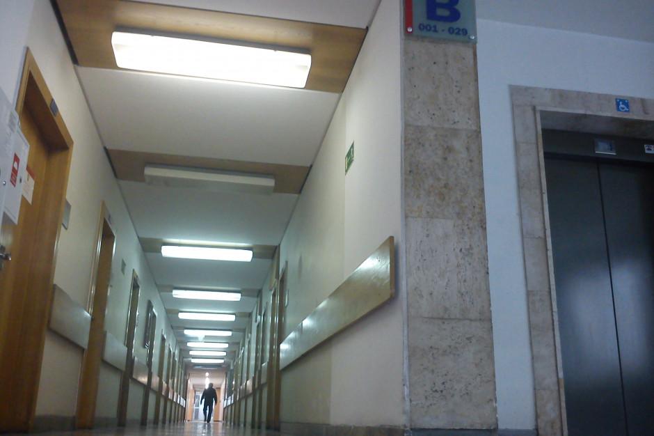 Poznań: Bomba w Urzędzie Wojewódzkim. Pracownicy ewakuowani