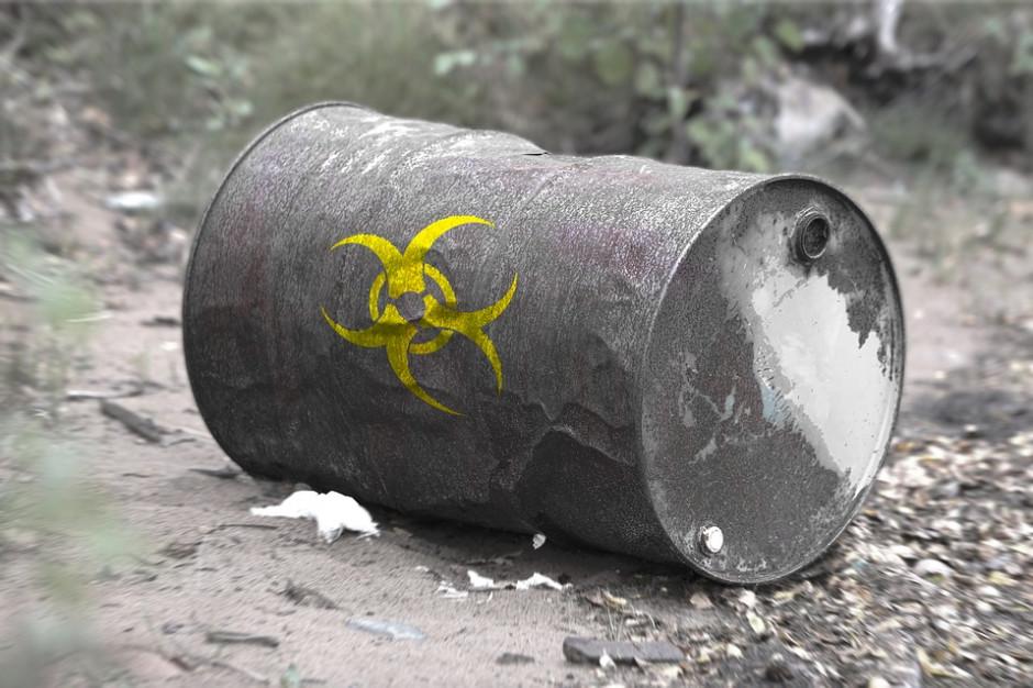 W okolicy Niemodlina odkryto nielegalne składowisko chemikaliów