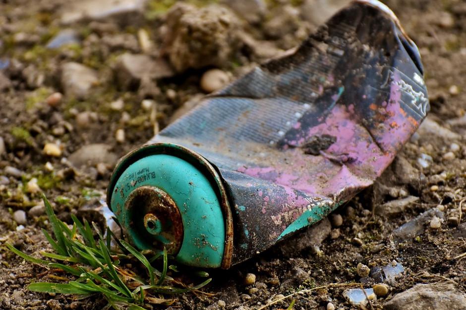 Prokuratura bada sprawę odpadów zakopanych pod Włoszczową