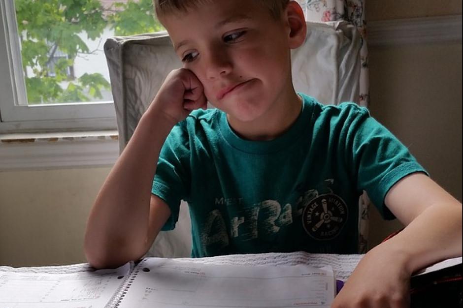 Uczniowie mają za dużo prac domowych. Konsekwencje groźne dla systemu oświaty