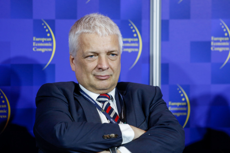 Jak najwięcej decyzji i pieniędzy dla samorządów. Robert Gwiazdowski idzie do polityki