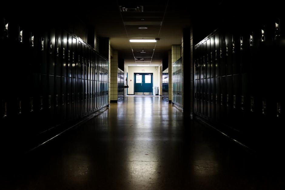 Awaria elektryczna w kompleksie szkolnym w Katowicach. W środę będzie nieczynny