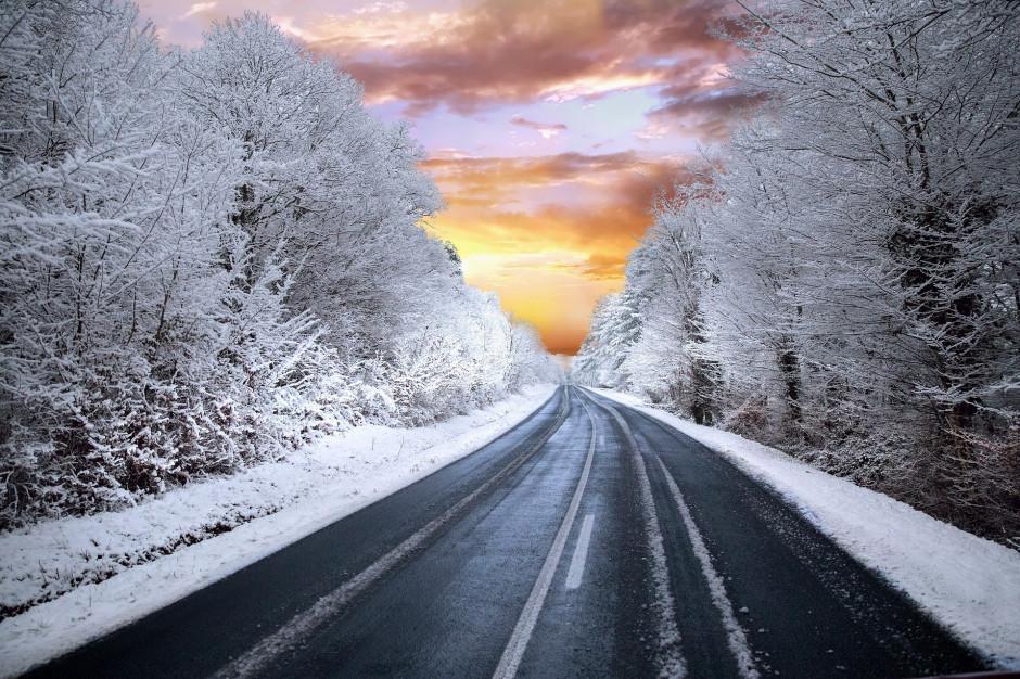 GDDKiA: Drogi krajowe przejezdne. Śnieg i deszcz mogą powodować utrudnienia