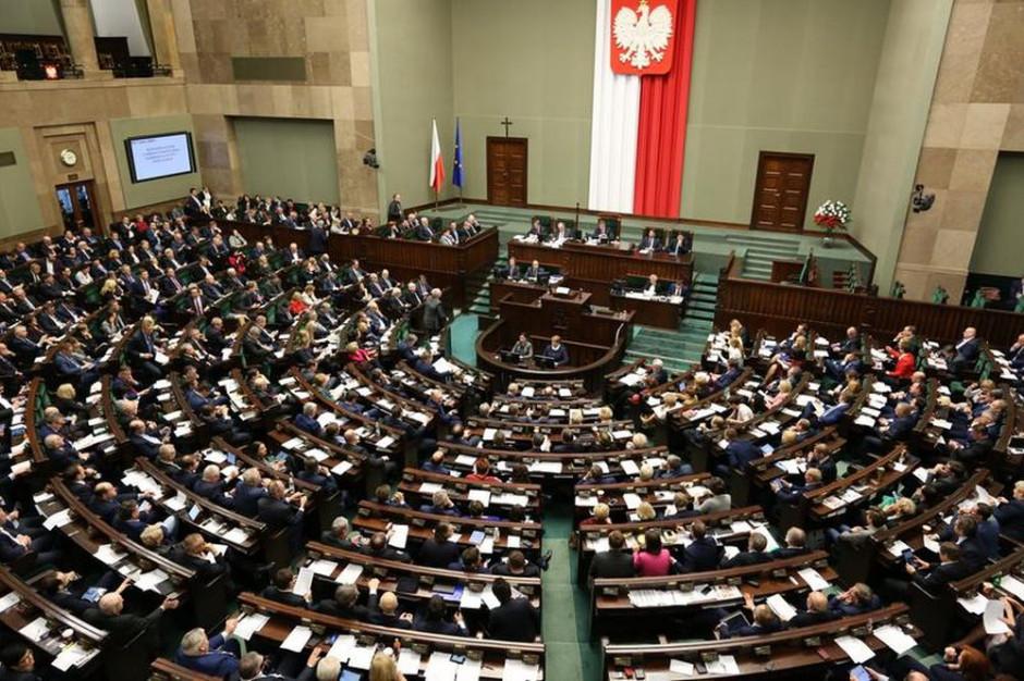 Sejm uchwalił nowelizację Kodeksu wyborczego, autorstwa posłów PiS (fot. Krzysztof Białoskórski/sejm.gov.pl)