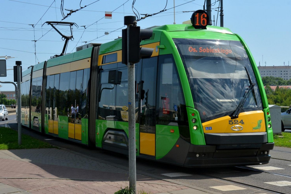 Budowa tramwaju na Naramowice w Poznaniu. Rozebrano dotychczasową pętlę