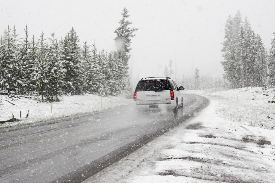 IMGW ostrzega: intensywne opady śniegu i roztopy, oblodzenie