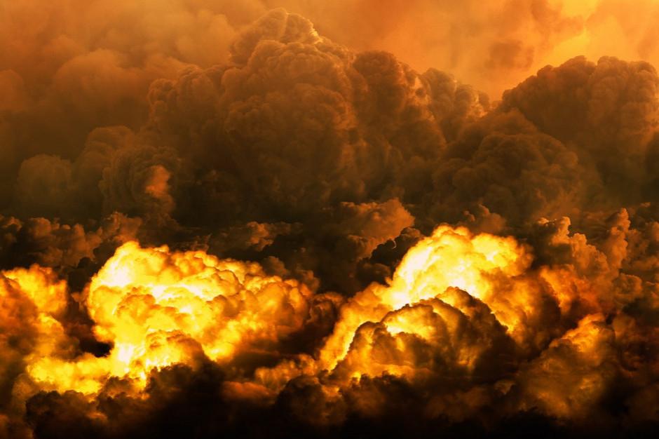 Lubelskie: Pożar składowiska opon, ewakuowana szkoła