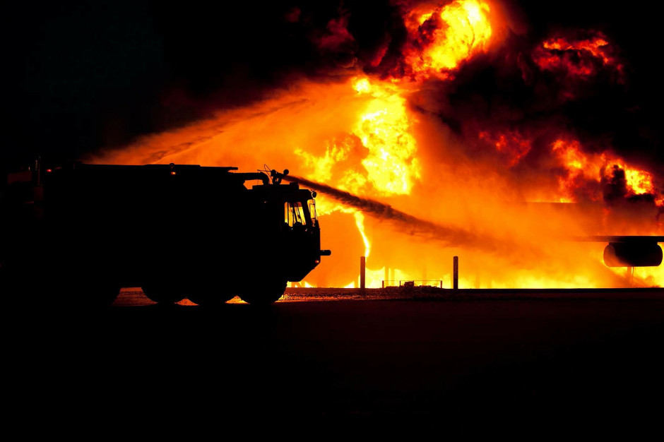 Pożar w Pyszącej: Trwa akcja na składowisku odpadów