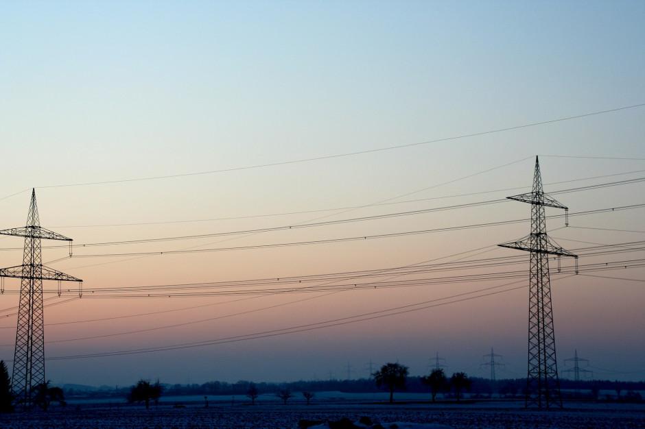 Łódzkie: Awaria energetyczna. Tysiące mieszkańców bez prądu
