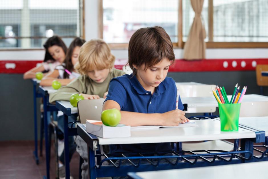 Nauka sześć dni w tygodniu. Rzecznik Praw Dziecka zgłasza uwagi