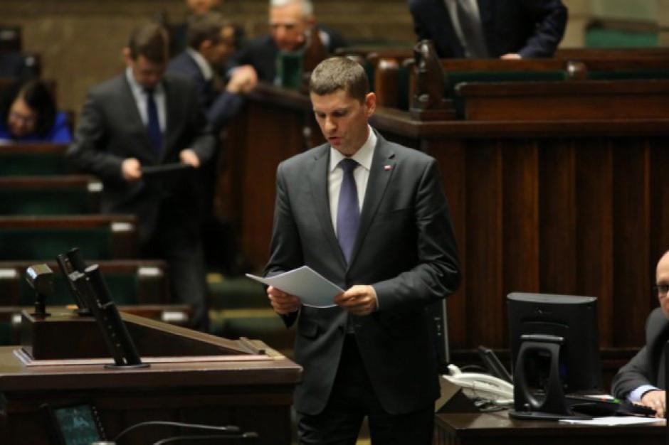 Rezygnacja marszałka podlaskiego Artura Kosickiego efektem rozłamu w PiS?