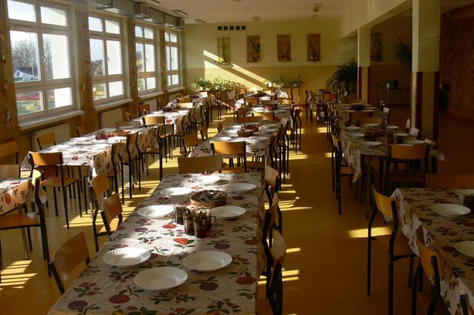 Samorządy dostaną pieniądze na stołówki szkolne