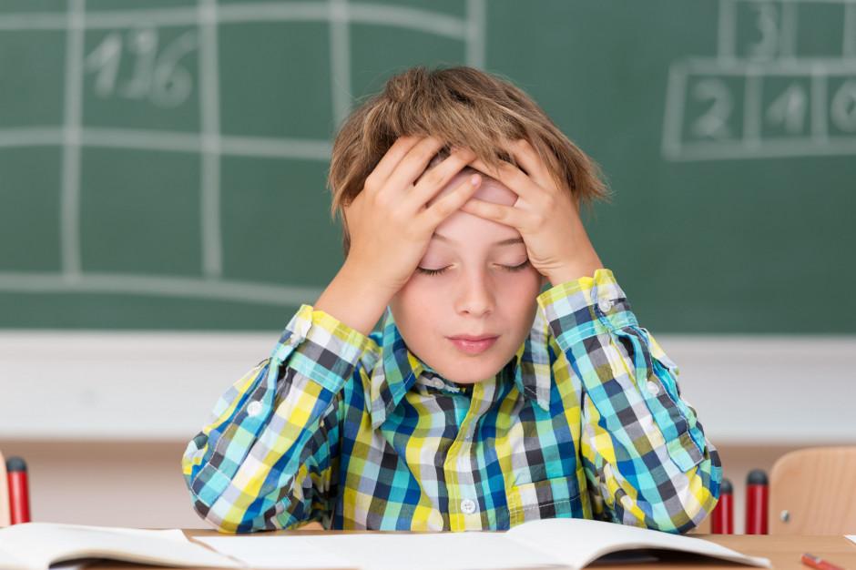 PO: Program szkolny nie może być zależny od poszczególnych ekip rządzących