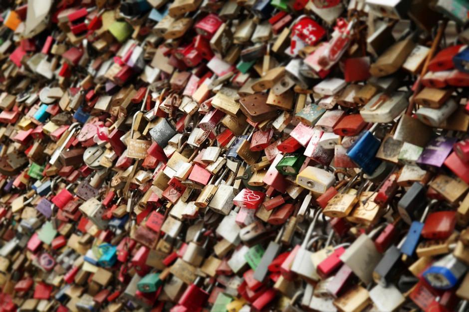 We Wrocławiu znikną tradycyjne symbole miłości. Wszystko przez zakochanych